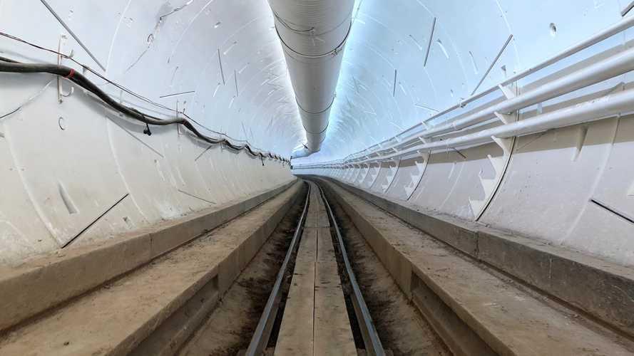 Elon Musk inaugure son premier tunnel anti-bouchons