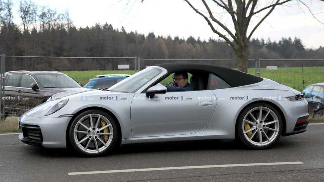 2020 Porsche 911 convertible side