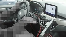 Flagra: Ford Escape 2020 (interior)