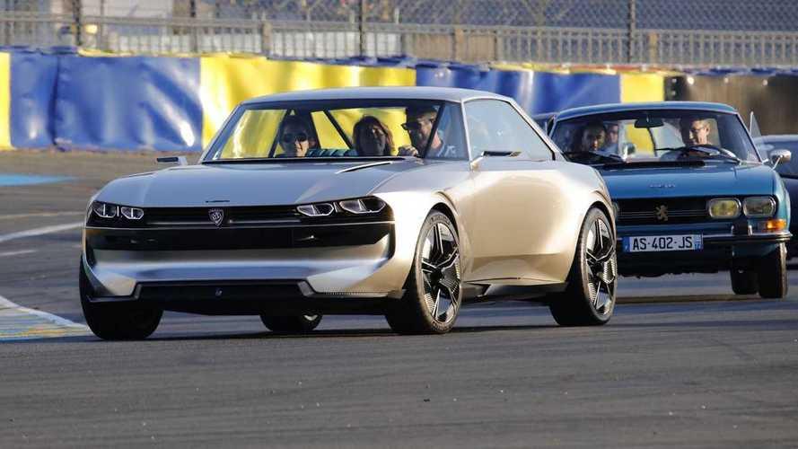 La Peugeot e-Legend en piste
