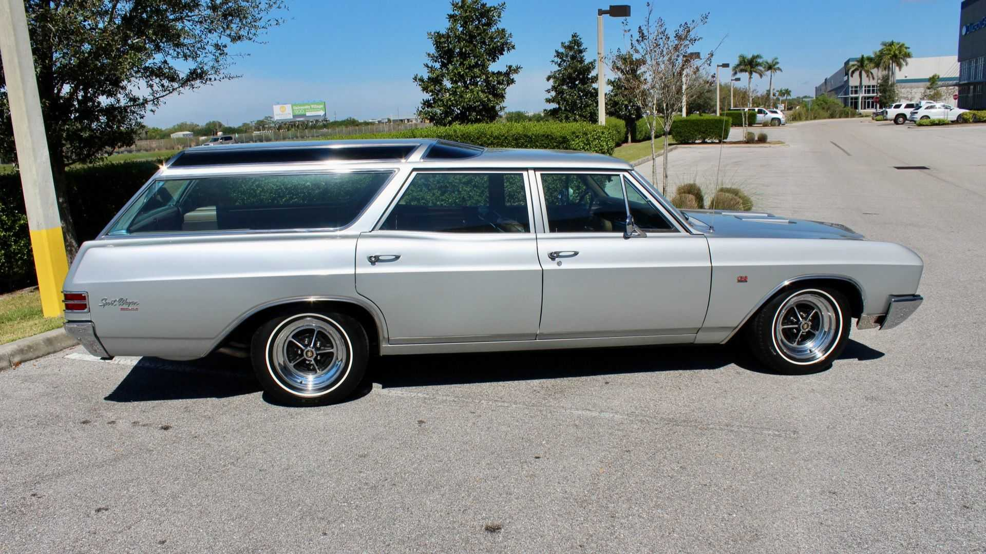 "[""1967 Buick GS400 Sport Wagon""]"