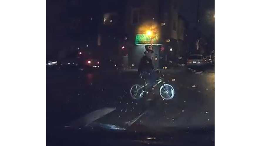 Bicyclist Collides With Nissan LEAF - Video