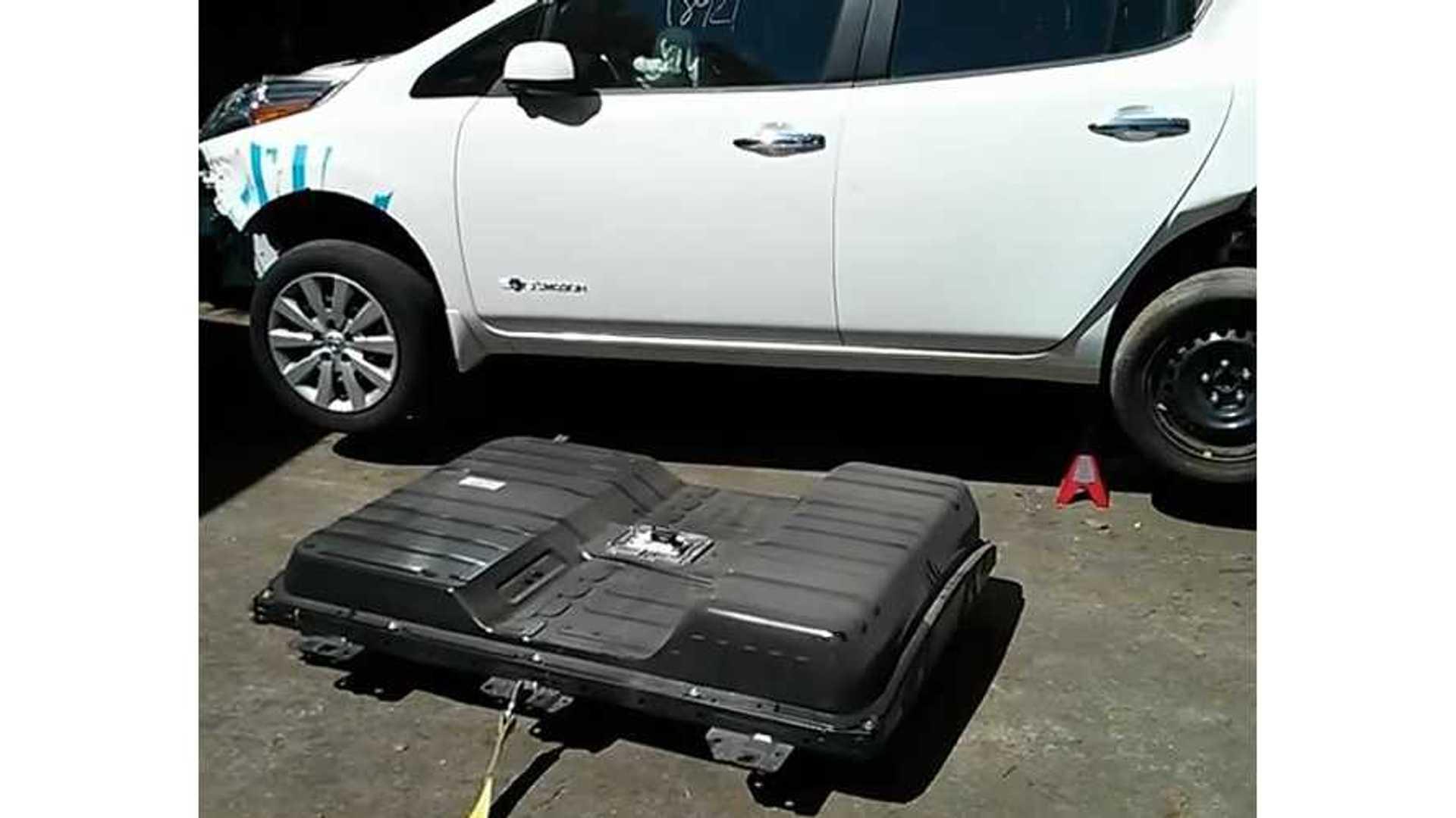 Nissan LEAF DIY Battery Removal - Video