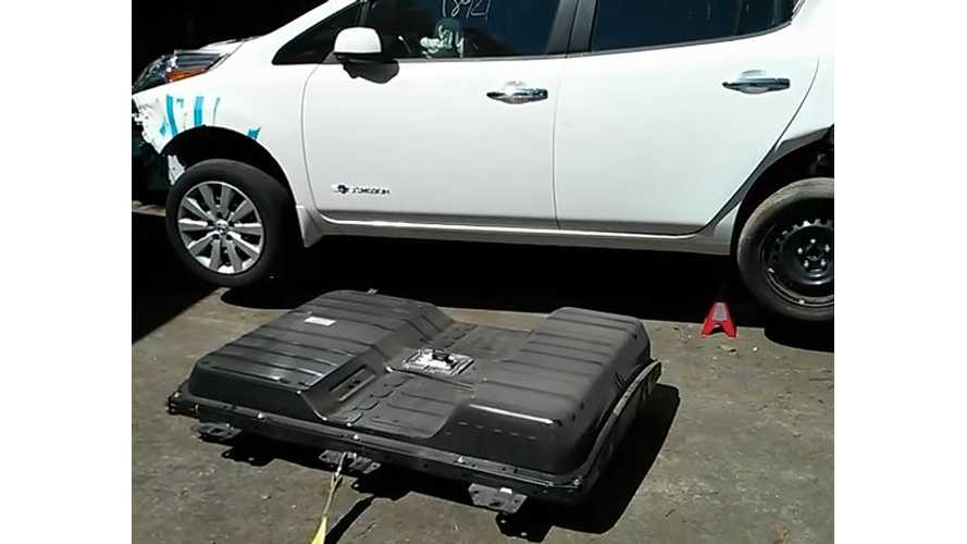 Nissan LEAF DIY Battery Removal - Video