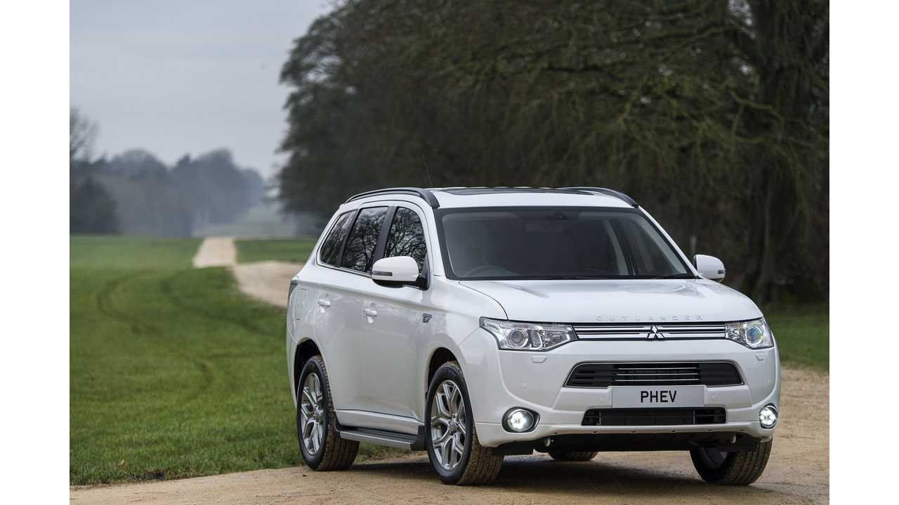Mitsubishi Outlander PHEV Will Be A Huge Player In The US In 2016, The Only Question Is How Many Days Will It Be On Sale In 2015? (GX5 Shown)