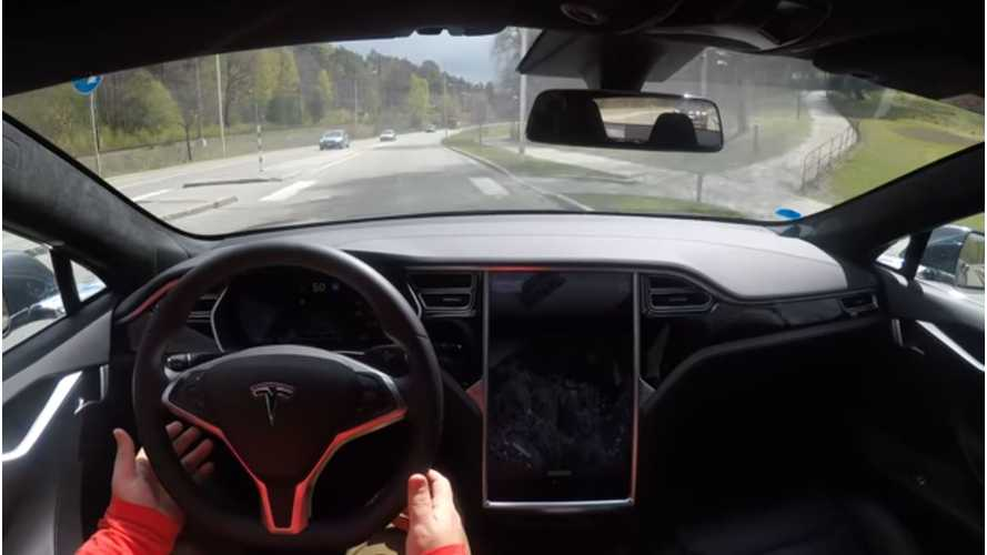 With New Autopilot Update, Tesla Model S, X Much Improved On Highway - Video