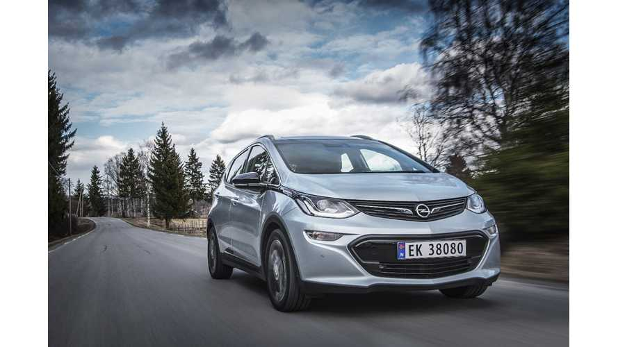 Opel Ampera-E Presented To Pope