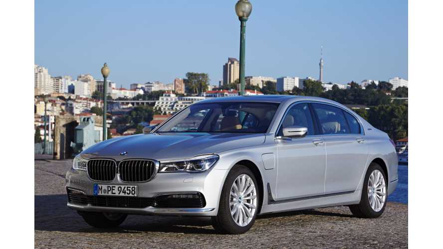 2016 BMW 740e Plug-In Hybrid Image Gallery