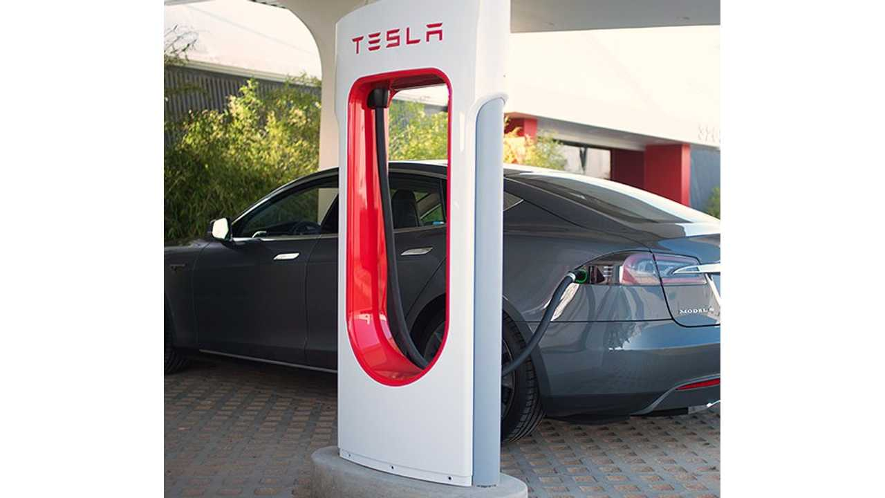 Tesla Superchargers Closing In On 100 In US