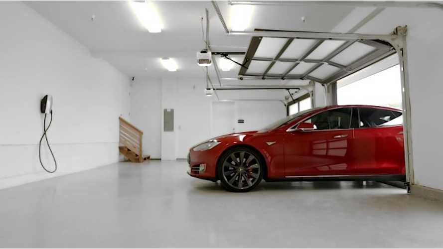 Testing Out Tesla Summon On Autopilot 2 - Videos