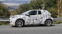 Toyota Aygo (2022) mit Serienkarosserie und -Leuchten erwischt