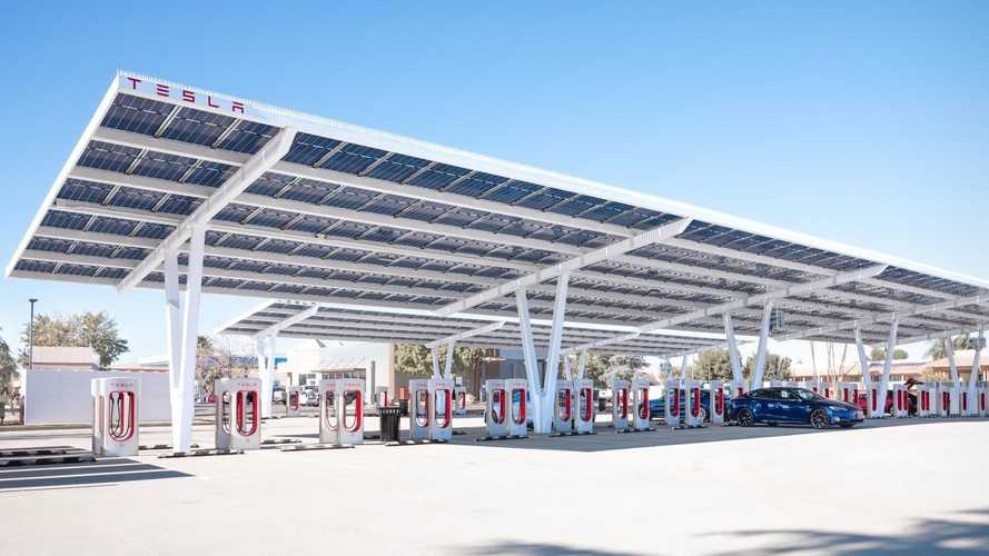 Tesla Highlights Near-Perfect Reliability Of Superchargers