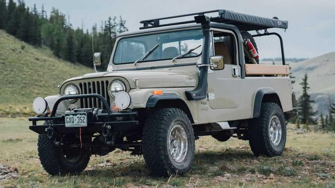 Jeep-CJ-8 Scrambler