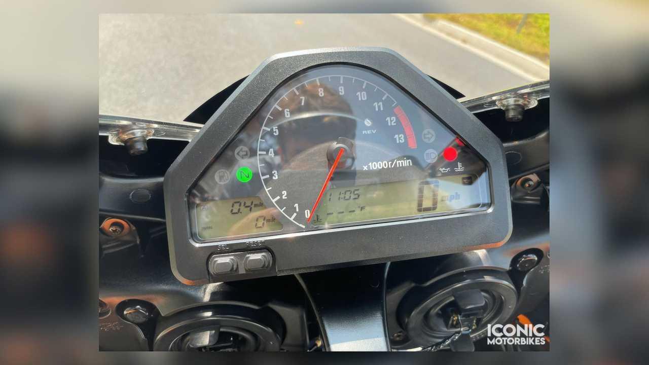 2005 Honda CBR1000RR Repsol Edition - Dash Closeup