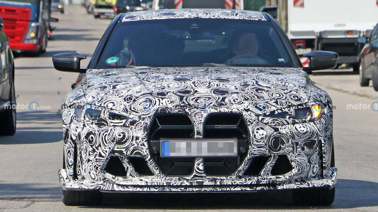BMW M4 CSL, le foto spia