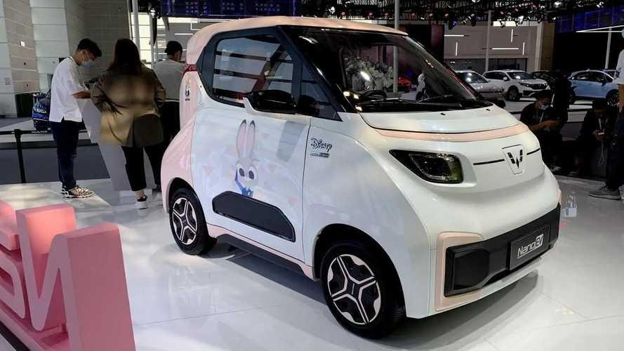 Carro elétrico chinês da GM estreia com 305 km de autonomia