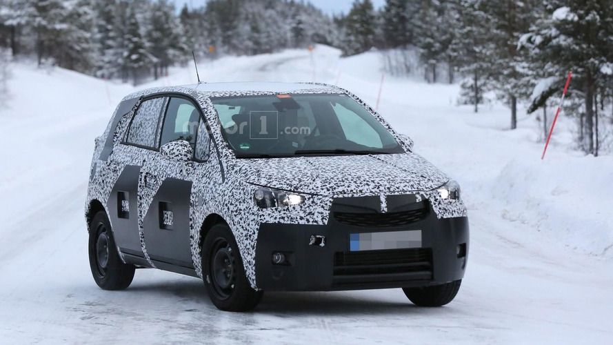 Opel Meriva prototype breaks down, gets rescued by a Toyota Hilux