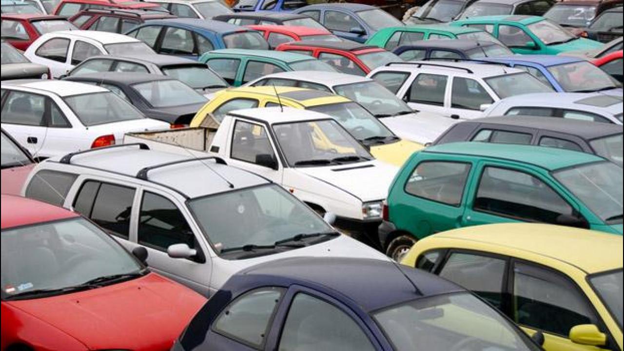 [Copertina] - Mercato auto usate: la crisi del 2012