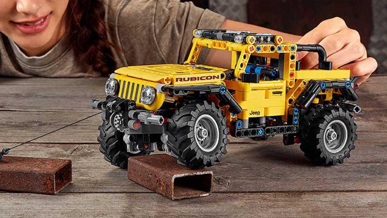 Lego Technic Jeep Wrangler Rubicone gioco primo piano