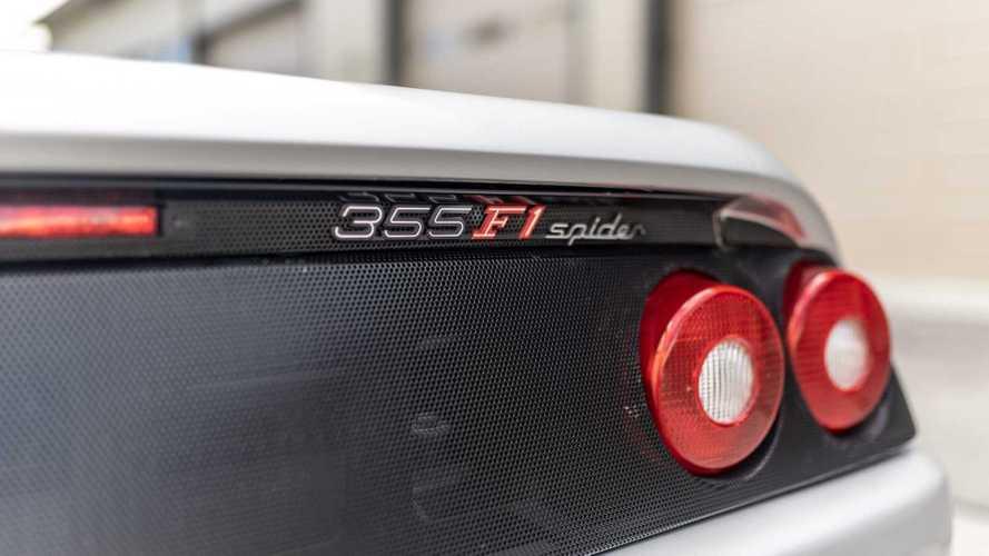 La Ferrari F355 Spider di Shaquille O'Neal è in vendita