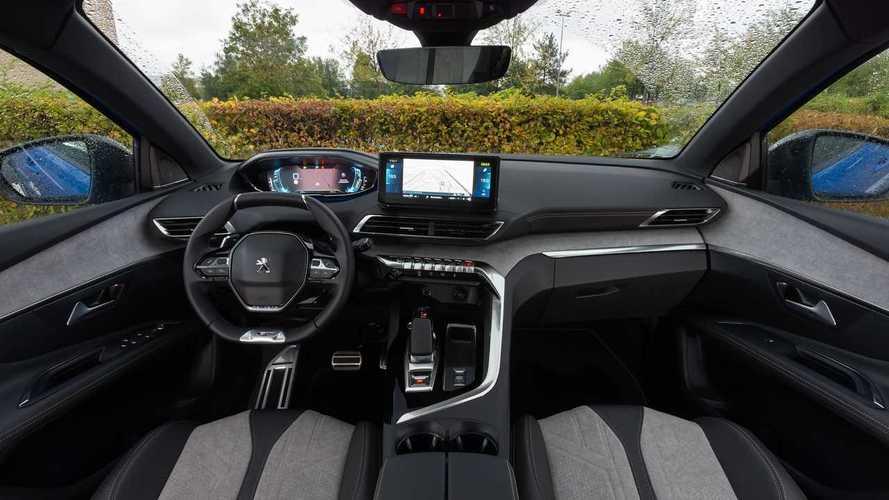 Peugeot 3008 Hybrid4 restyling, la prova della ibrida plug-in