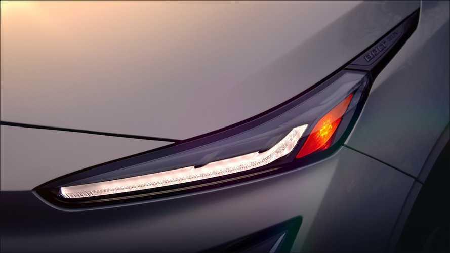 Chevrolet показала фару нового электрического кроссовера