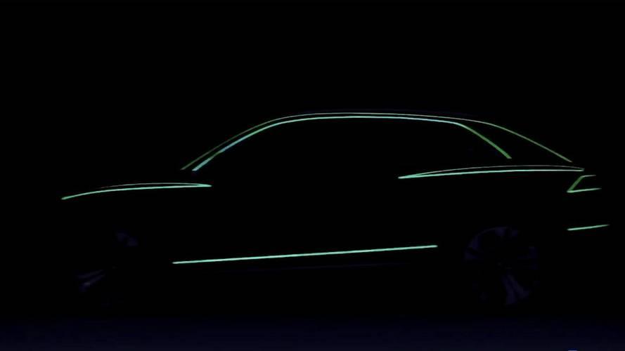 Audi Q8, i teaser del SUV coupé degli Anelli