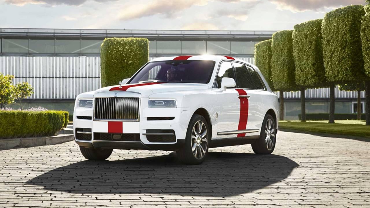 Rolls-Royce Cullinan England flag