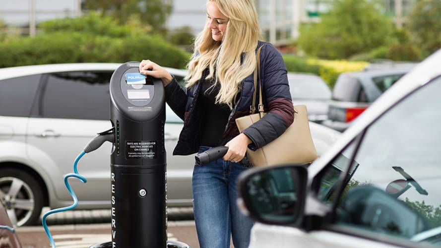 Rapid charging points 'should' offer card payment option by 2020
