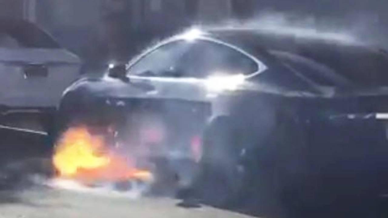 Tesla Model S, l'incendio