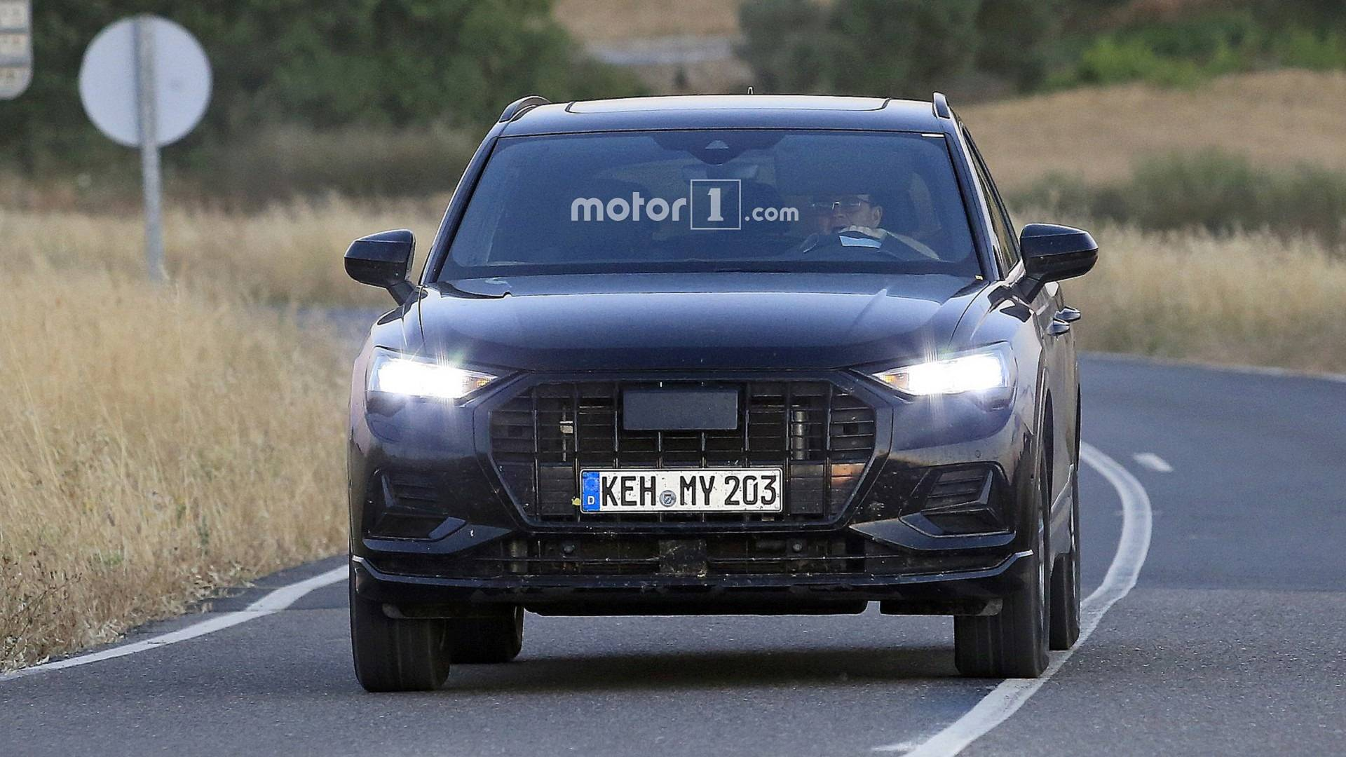 2020 Audi SQ3 Performance Crossover >> 2019 Audi Q3 Spied With 99 Percent Of The Camo Gone