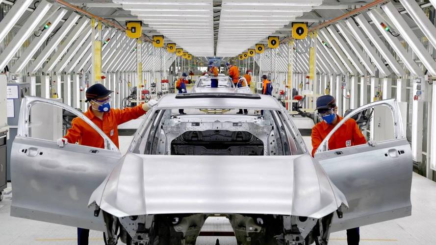 China changes rules for foreign carmakers