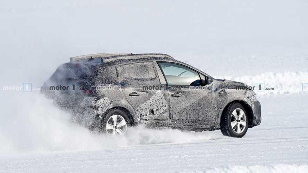 2020 Dacia Sandero Stepway yeni casus fotoğraf