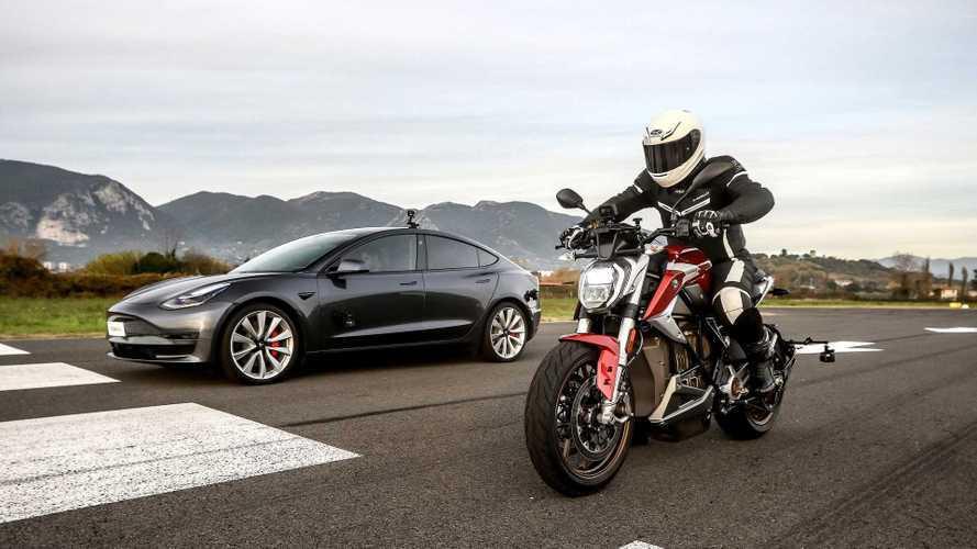 Tesla contro moto elettrica: una sfida di accelerazione sul filo dei 3 secondi!