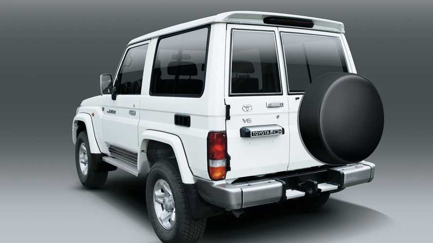Toyota Land Cruiser 70 and FJ Cruiser in UAE