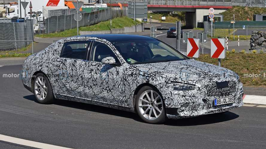2022 Mercedes-Maybach S-Class spy photos