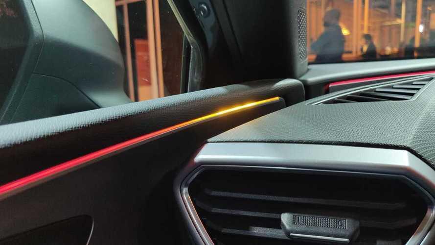SEAT León 2020, así funciona el control del ángulo muerto