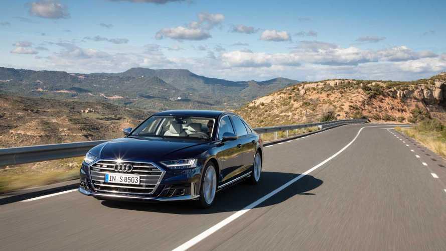 Audi снабдила рублевым ценником «подогретый» седан S8