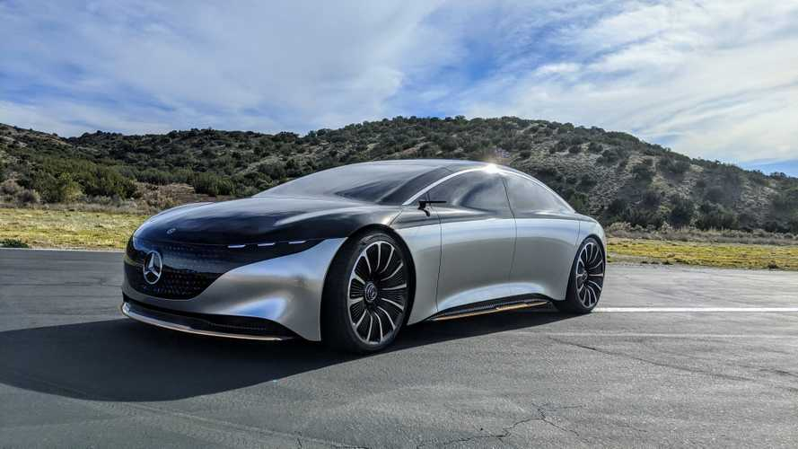 """Mercedes vuole """"sbarazzarsi"""" di Tesla: la EQS avrà 700 km di autonomia"""