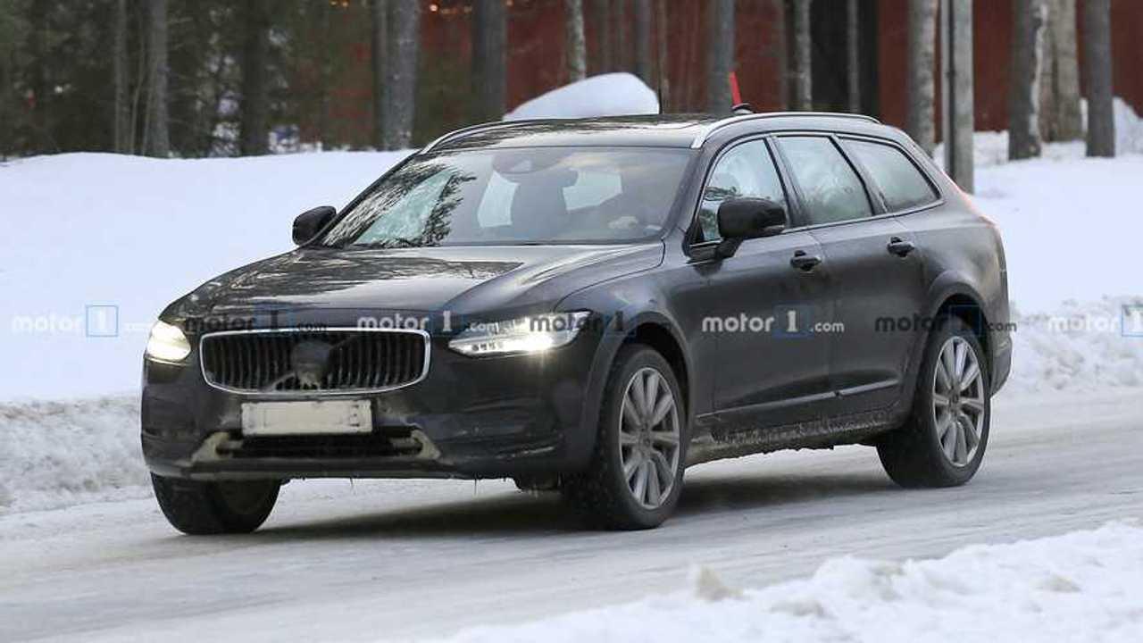 Volvo V90 Cross Country Refresh Spy Shots