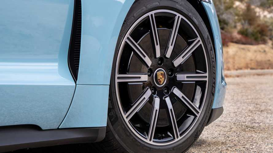 Porsche Taycan, perché la frenata rigenerativa è diversa dalle altre