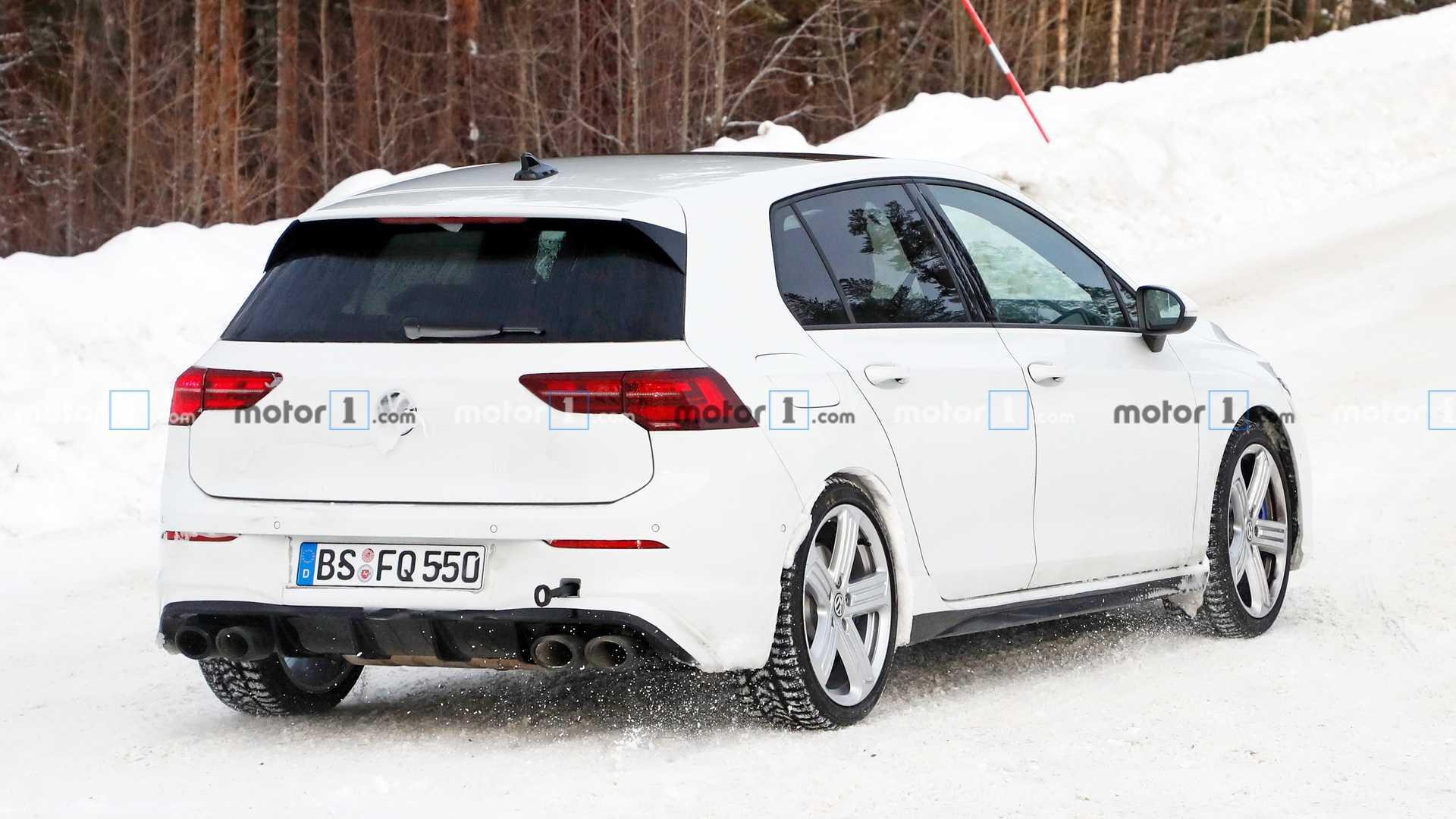 2020 - [Volkswagen] Golf VIII - Page 11 2021-vw-golf-r-spy-photo
