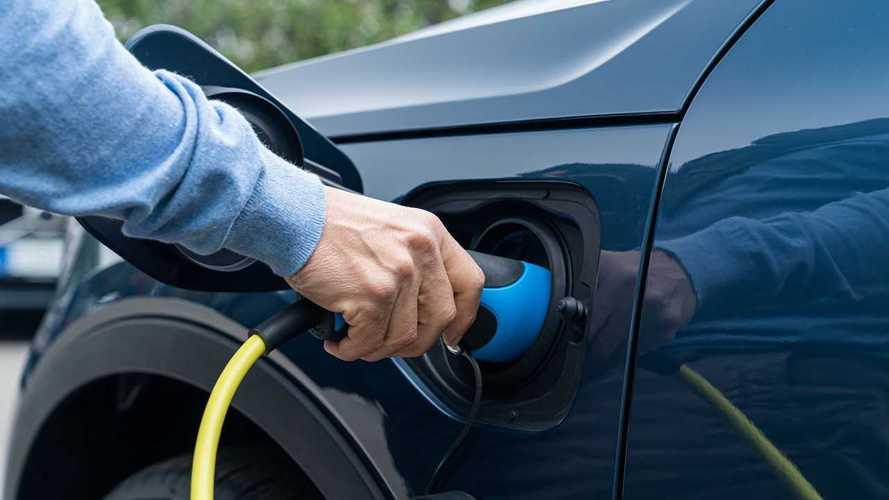 Incentivi auto, la Germania raddoppia quelli per elettriche ed ibride plug in
