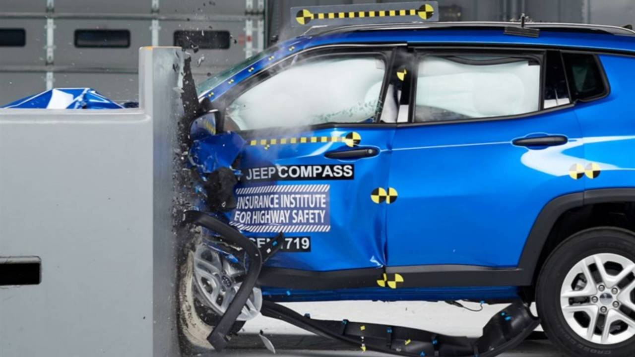 Crash Test - Jeep Compass (EUA)