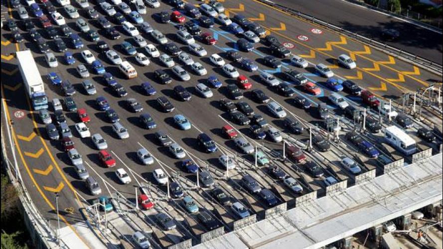 Italiani, popolo di automobilisti insofferenti al traffico