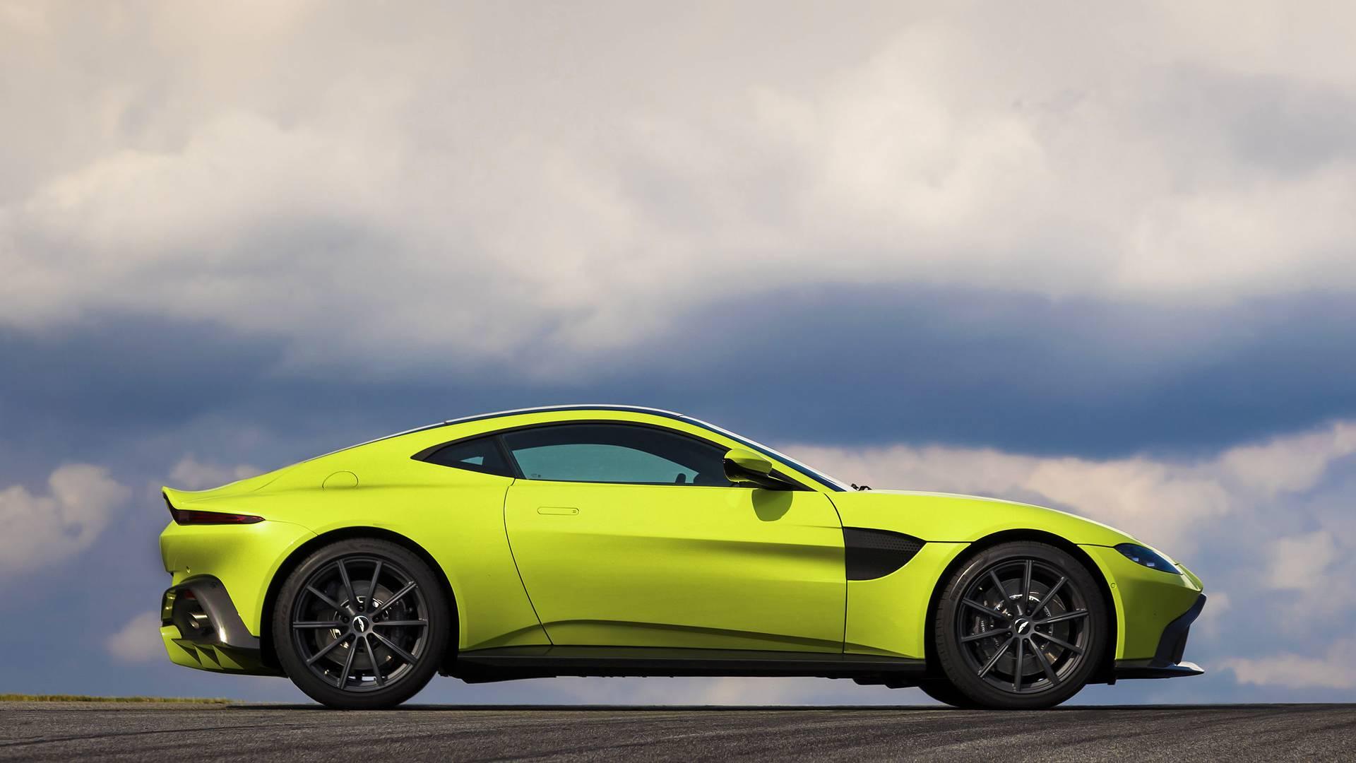 Aston Martin Vantage Prepares To Take On The Porsche - 2018 aston martin vantage