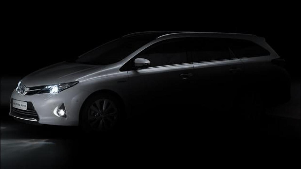 [Copertina] - Toyota Auris Touring Sports, l'Auris si fa familiare