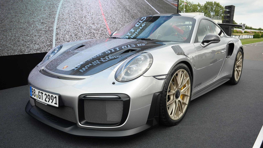 Porsche 911 GT2 RS estreia com 700 cv no festival de Goodwood