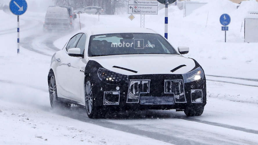 2018 Maserati Ghibli facelift looks upset by the spy camera