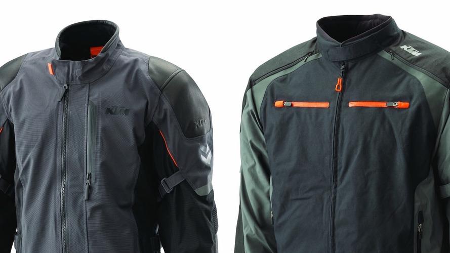 KTM presenta su nueva gama de ropa KTM PowerWear y de accesorios KTM PowerParts